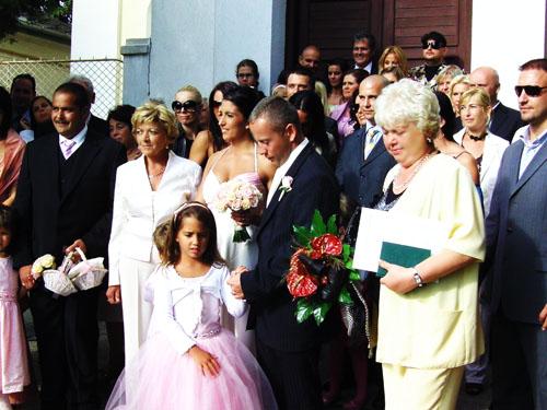 Norbi ismét örök hűséget esküdött Rékának! Templomi esküvővel ünnepelték a házassági évfordulót!