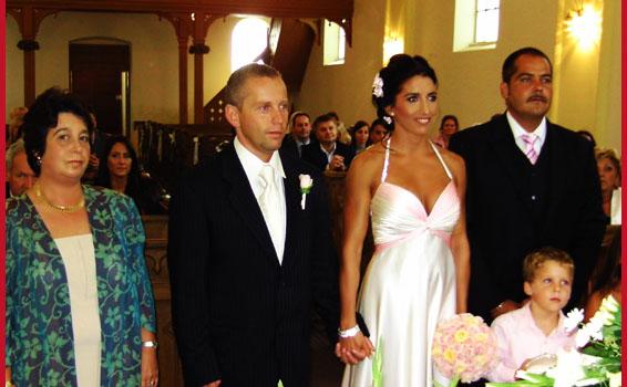 Réka Isten áldását kérte szerelmükre! Meglepetés-esküvő!