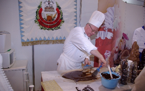 Jelentkezzen a Kézműves Cukrászatért Alapítvány  2011. évi tanfolyamaira!