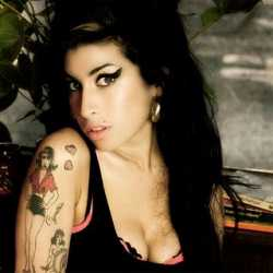 Elhunyt Amy Winehouse