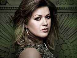 Megjelent Kelly Clarkson új albuma!