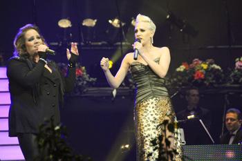 Tóth Vera és Tóth Gabi az újévi koncerten!