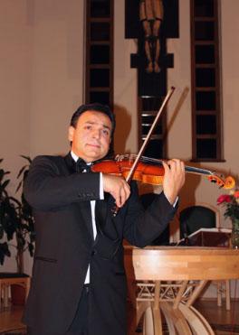 Mága Zoltán Székelyföldön zenélt