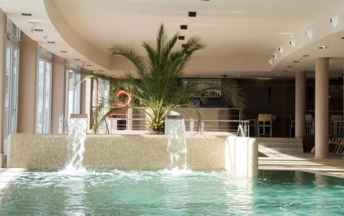 Hotel Silver Resort**** superior - beltéri medence