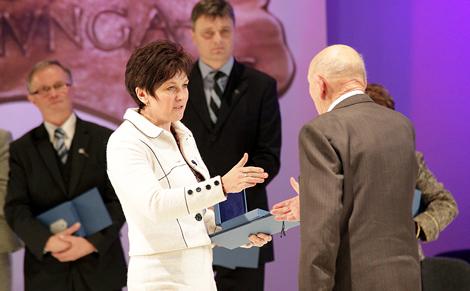 A 2012. évi 'PRO CULTURA MINORITATUM HUNGARIAE' szakmai díjakat a Magyar Művelődési Intézetben adták át