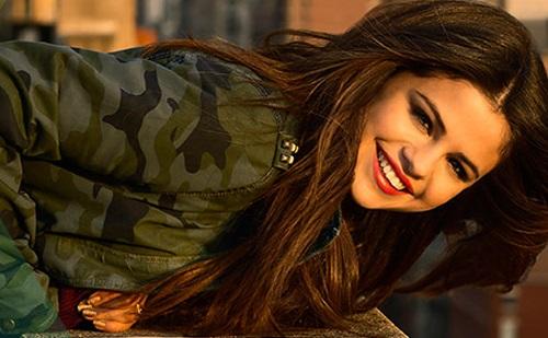 Selena az utálóiból nyert ihletet