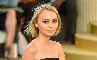 Johnny Depp lánya saját neméhez vonzódik