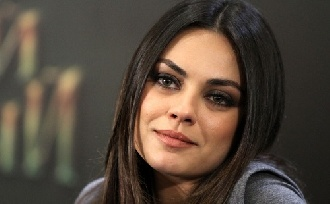 Újra terhes Mila Kunis?