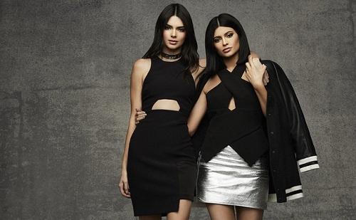 Bemutatják második kapszula kollekciójukat a Jenner lányok