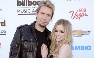 Avril Lavigne elválik férjétől