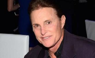 Nőként pózol Bruce Jenner