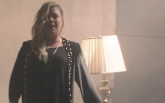 Megjelent Kelly Clarkson új klipje