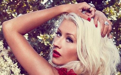 Christina Aguilera borzalmas dolgot árult el