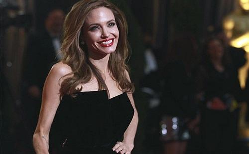 Orvosra van szüksége Angeline Jolie-nak