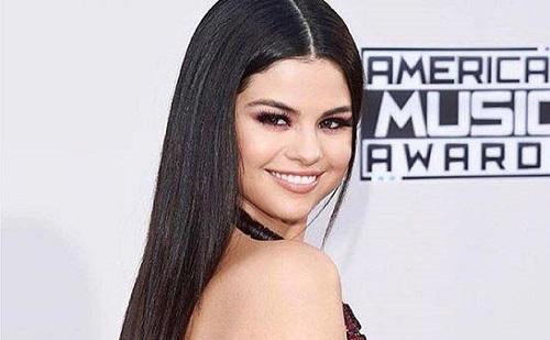 Selena Gomez törli magát a közösségi oldalakról