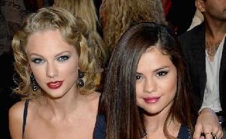 Selena Gomez Taylor Swifttel énekelne