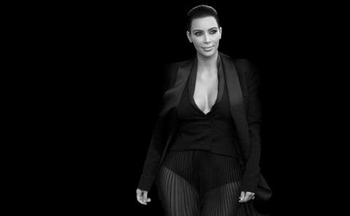 Kim Kardashian újra sokkol