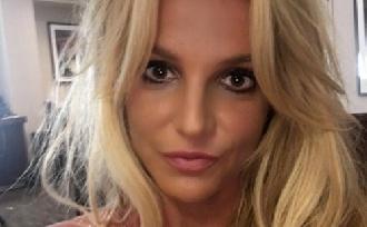 Britney Spears tanár lenne?