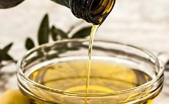 Csipkebogyó, répa, ricinus - Miért jó olajak a bőrre?