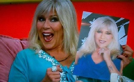 Levetkőzne a Playboynak az 50-es énekesnő!