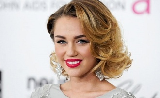 Miley Cyrus esküvőről álmodozik