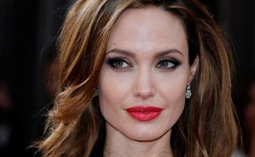 Angelina Jolie még mindig nagyon vékony