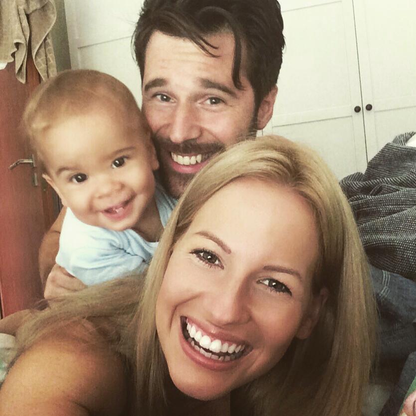 Mádai Vivien családjával