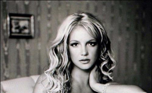 Beégett koncertjén Britney Spears