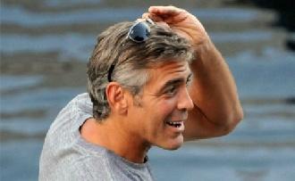 George Clooney nem plasztikáztathat