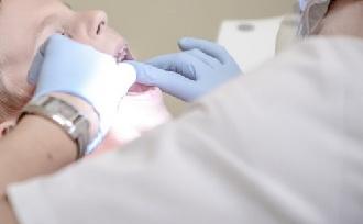 Vérrög a fog helyén – mit csináljunk vele?