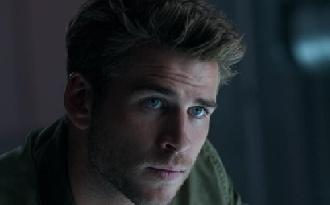 Liam Hemsworth: Szakítani kellett Miley-val