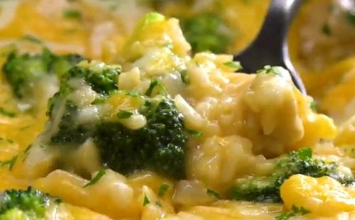 Tavaszias: brokkolis csirke sajttal