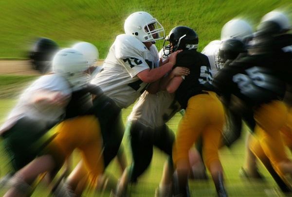 Bizonyos sportoknál előírás is a fej és a fogak védelme