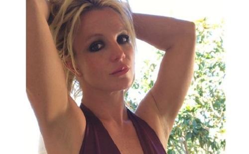 Britney Spears-t nagyon dicséri a párja