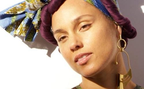 Smink nélkül jelent meg 1 évig Alicia Keys