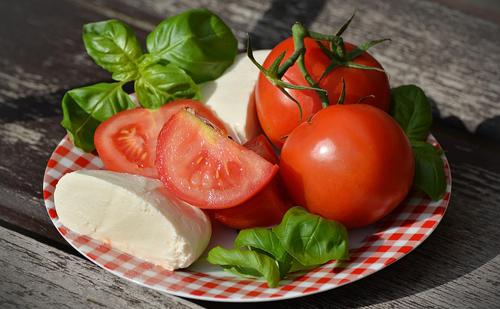 Kiegyensúlyozott táplálkozás és nassolás?
