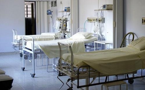 Vigyázni kell a kórházi padlóval