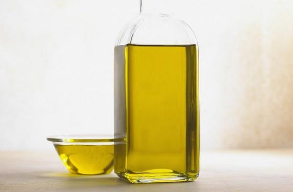 Az olajok keverésével tökéletes természetes sminklemosót kapunk