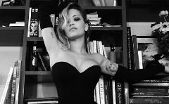 Rita Ora a Sötét 50 árnyalatához énekel