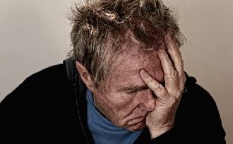Szegényt még a krónikus fájdalom is húzza?