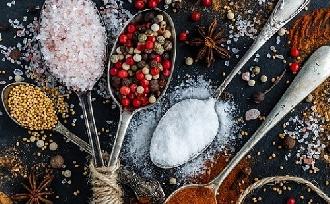 Le a sóval! – Kormányoknak kellene szabályozni?