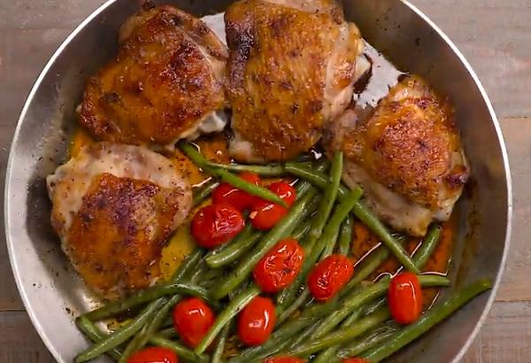 A kész csirkemellek ideálisak a zöldségkörettel
