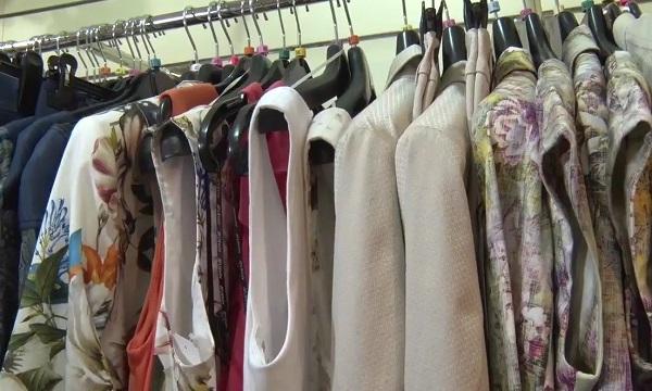 Könnyed nyári ruhákhoz tökéletes a blézer vagy kiskabát