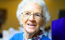 Az éneklés jó hatással van a Parkinsonra?