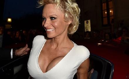 Pamela Anderson nem akar nagymama lenni