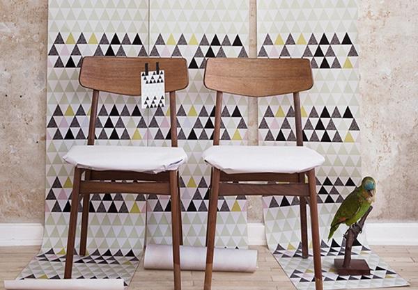 Apró háromszöges tapéta - fabútorokhoz is jól illik