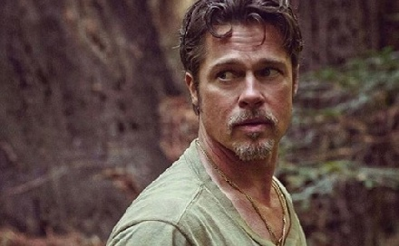 Brad Pitt szobrokkal próbál felejteni