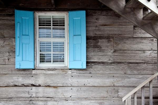 Az ablakot vagy az ajtót érdemes nyitva tartani a jó alváshoz