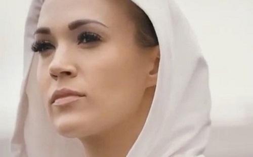 Csúnyán megsérült Carrie Underwood