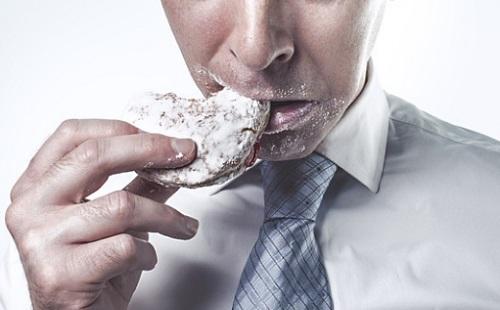 Tiszta fogakra vágysz? Egyél szalámit vajjal